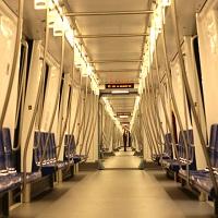 Utile - Cele mai noi statii de metrou din Bucuresti - una cu lifturi transparente si alta iluminata natural