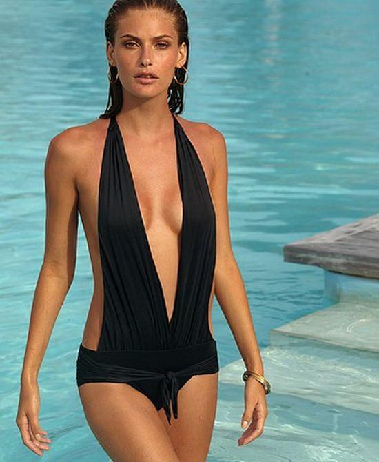 Moda pe plaja: ce costume de baie sunt hot in 2009?
