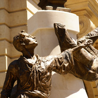 Locuri de vizitat - I <3 Bucuresti: Statuia lui Eugeniu Carada de pe Lipscani