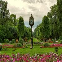 Utile - Primaria Capitalei vrea sa dea 12 milioane de euro pentru paza parcurilor si serelor din oras