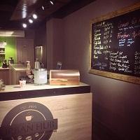 Cronici Cafenele din Romania - Urban Hub, cafeneaua din zona Universitate-Romana unde bei cel mai bun cappuccino