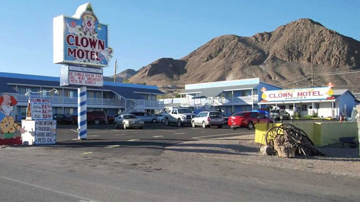 the-clown-motel-tonopah-nevada-1.jpg