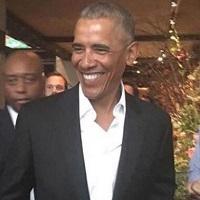 Barack Obama s-a intors din vacanta si arata grozav