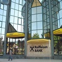 Utile - Raiffeisen Bank isi majoreaza tarifele - pentru interogarile de sold efectuate la ATM-urile altor banci si nu numai