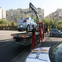 Utile - In Sectorul 6 se ridica autoturismele abandonate pe trotuare