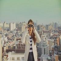 Un cuplu urban a realizat cel mai cool video inspirat de Wes Anderson, in care-si anunta prietenii de data nuntii lor