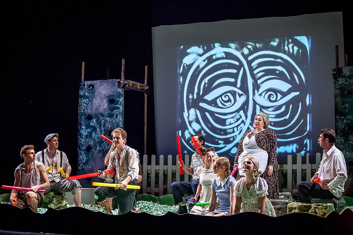 Spectacolul Thomas Sawyer de la Teatrul EXCELSIOR, accesibil de acum și persoanelor cu deficiențe vizuale