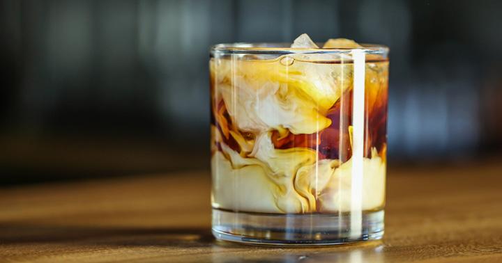 5 retete de cocktail-uri clasice pentru cele mai reusite petreceri