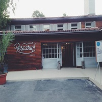 Cronici Terase din Romania - Restaurant Pescarus din Herastrau - un local pur romanesc, cu traditie, redecorat urban si cu vedere spre lac