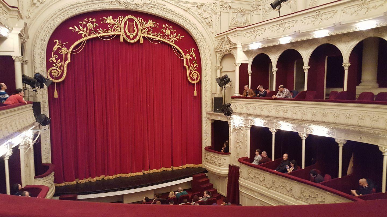 Cronica: Profetul - un spectacol-concert care le aduce impreuna pe Oana Pellea si pe Teodora Enache