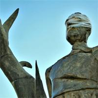 Jurnal de ghid de Bucuresti, ep. 2 - Piata Revolutiei, la Statuia lui John Cleese