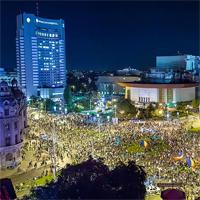 Peste 25.000 de oameni la cel mai mare protest pe care l-a vazut Bucurestiul