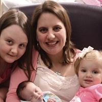 La zi pe Metropotam - Povestea incredibila a bebelusului 'nascut de doua ori'