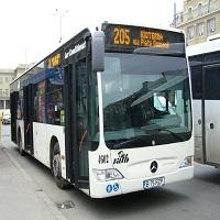 Utile - RATB reamplaseaza statiile liniei de autobuze 205