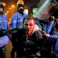 La zi pe Metropotam - Jandarmii roaga protestatarii pasnici sa trimita video-uri cu cei violenti