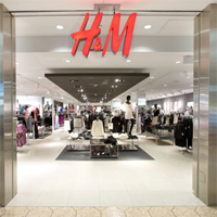 Hai la cumparaturi! - H&M ofera vouchere de 30 si 50 de lei la deschiderea magazinului de pe Lipscani