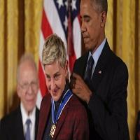 La zi pe Metropotam - Ellen DeGeneres a izbucnit in lacrimi in timp ce a fost decorata de Barack Obama