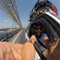 Interviuri - Raul Crisan, tanarul de 26 de ani care a plecat cu o masina din Spania catre Mongolia, pentru a-i ajuta pe copiii din Africa