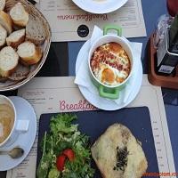 Cronici Cafenele din Romania - A.R.C. Bakery - un loc simpatic, perfect pentru mic-dejunuri si   brunch-uri, langa Arcul de Triumf