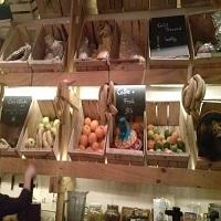 Unde Iesim in Oras? - Refresh Juice Bar & Smoothie Shop - primul bar din Bucuresti unde se servesc numai sucuri naturale
