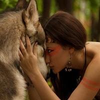 Femei care alearga cu lupii: o incursiune in lumea miturilor si povestilor cu Clarissa Pinkola Estes