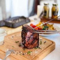Cronici Restaurante din Bucuresti, Romania - Pofta de steak: Despre cultura carnii de vita la romani (P)