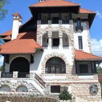 Locuri de vizitat - Idee de vacanta: Vila Bran, locul misto de la munte cu piscina si sala de teatru