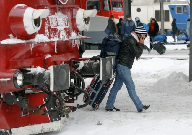 studentii-vor-calatori-gratuit-cu-trenul-incepand-de-la-1-februarie-18563103.jpg