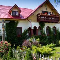 Locuri de vizitat - Idee de vacanta: Conacul Bunicilor, locul cu istorie de la poalele Parangului