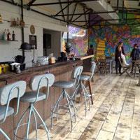 Cronici Cafenele din Bucuresti, Romania - Terasa acoperita Eden - acvariul mecanic din gradina de vara