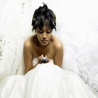 La zi pe Metropotam - Un tanar a divortat de sotie imediat dupa nunta pentru ca aceasta a stat prea mult pe telefon