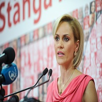 """Utile - Primarul Gabriela Firea revine asupra afirmatiei: """"RATB gratuit"""" - care sunt conditiile impuse"""