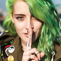 Interviuri - De vorba cu fotomodelul Chloe Norgaard - despre culorile ciudate de par, tatuaje si moda