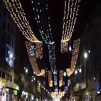 Utile - Bucurestiul are multe strazi in bezna, dar luminitele de anul acesta sunt mai scumpe decat cele din Viena
