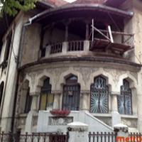 Locuri de vizitat - I <3 Bucuresti: Conacul cu jaguari batrani in curte