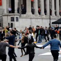 Prima hora romaneasca din Trafalgar Square cu ocazia protestelor Salvati Rosia Montana