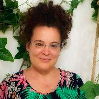 """O poveste despre asumare și pasiune - Mihaela Tiu-Trupcea: """"Cum am trecut de la cifre, la industria beauty"""""""