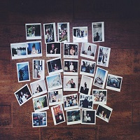 "Romanian Polaroid Photographers prezinta expozitia ""Emotion in Motion"" - despre ce e vorba si de ce merita sa mergem"