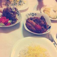 Unde Iesim in Oras? - Restaurantul Teheran cu specific persan: locul unde veti manca cea mai buna carne de berbecut