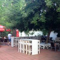 Backyard Garden & Pub - oaza de liniste si verdeata de pe Popa Nan