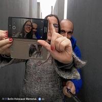 A aparut un site care iti arata cat de aiurea esti pentru ca ti-ai facut selfie la Muzeul Holocaustului din Berlin