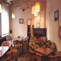 Cronici Cafenele din Romania - Lente Armeneasca, revizitat - atmosfera boema, un desert delicios si preturi ceva mai mari
