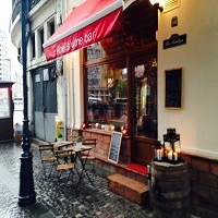 Abel's Wine Bar - locul cu dichis din Centrul Vechi unde gasesti vinuri delicioase si povesti