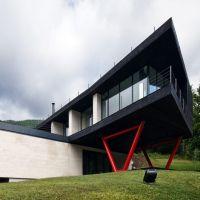 Locuri de vizitat - Idee de vacanta: Atra Doftana, locul modern din mijlocul muntilor