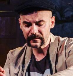 """Chestionar de Metropotam: de vorba cu actorul Marian Adochitei - """"Caut tot timpul ceva nou, consum arta in toate formele pe care le intalnesc"""""""
