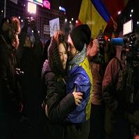La zi pe Metropotam - Un tanar a cerut-o pe iubita lui de sotie la protestul din Bucuresti din 12 februarie 2017