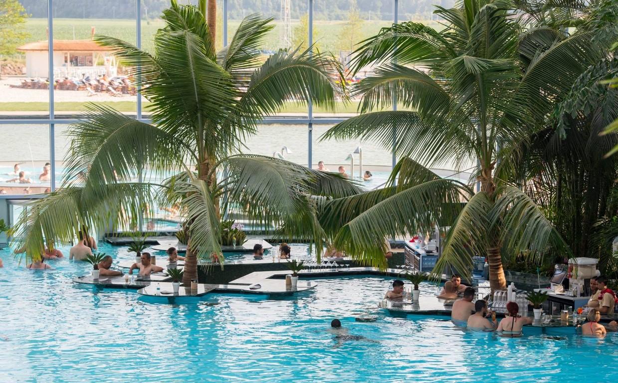 piscina_principala_The_Palm.jpg