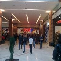 Utile - Programul hypermarketurilor, mallurilor, bancilor si RATB-ului de 1 decembrie