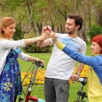 Interviuri - Interviu: Best Friends Around the World - despre cele mai frumoase povesti de prietenie din Bucuresti