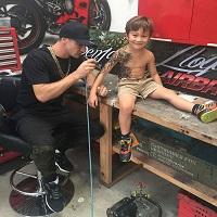 La zi pe Metropotam - Tatuaje temporare: Un mod inedit de a binedispune copiii bolnavi din spital